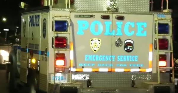 ESU arrives at shooting in St. Albans, Queens