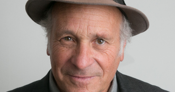 Investigative reporter Greg Palast dishes out the dirt on the latest news on the state of Republican voter suppression in Georgi