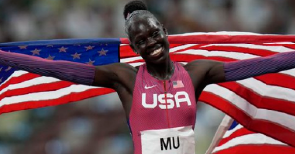 Mu became the first American woman to win a gold medal in the 800-meter race in more than a half century
