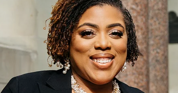 Meet Rasheda Hatchett, a registered nurse, author, speaker, and resilience expert that educates and empowers thousands of nurses