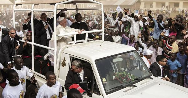 In Visit To Nairobi Slums Pope Decries Greed Of The